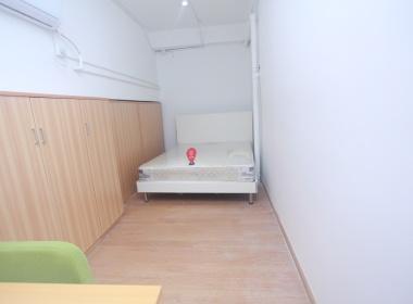 噼啪公寓(东门店) 1室0厅1卫