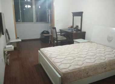 东汉阳路430号 1室1厅1卫