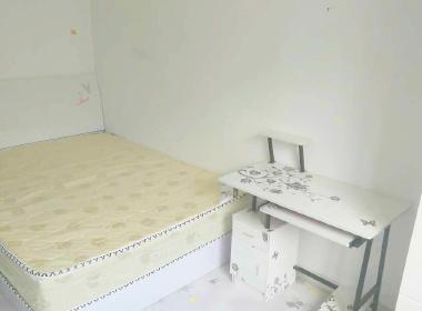 苹果派 1室0厅0卫