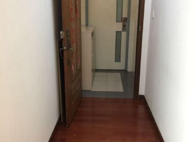 瑞虹新城一期 2室2厅2卫