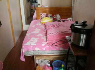 逸流公寓 1室0厅0卫