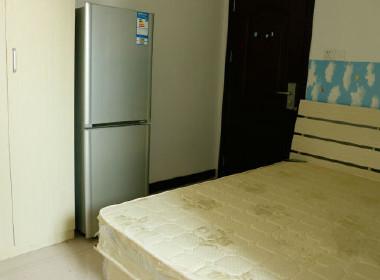 松江公寓 1室0厅1卫