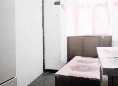 共和大厦 1室0厅0卫