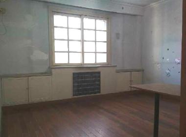龙兴园南区 1室0厅0卫