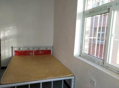196号公寓 1室0厅1卫