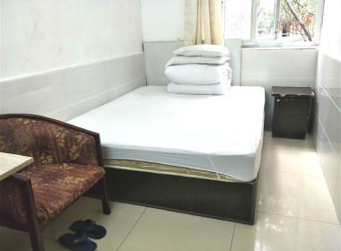 青青公寓(莲塘店) 1室0厅1卫