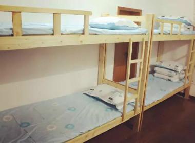 起点青年公寓(鼓楼店) 1室0厅1卫