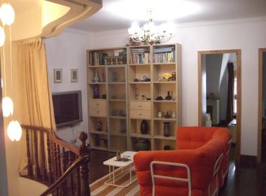 久久公寓 4室3厅1卫