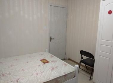 东方城市公寓 1室0厅0卫