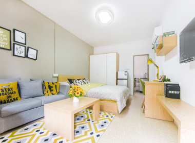 红璞公寓(鹤洞店) 1室0厅1卫