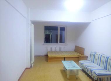 鸿盛公寓 1室0厅1卫