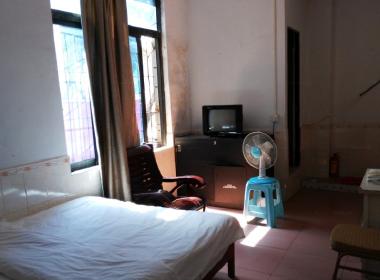 旺福公寓 1室0厅1卫