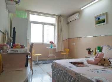 ZOME己美(泥洼地铁站店) 1室0厅1卫