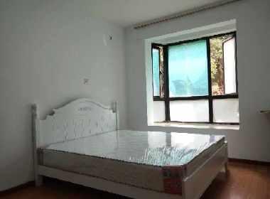 东方花园三期 1室0厅1卫