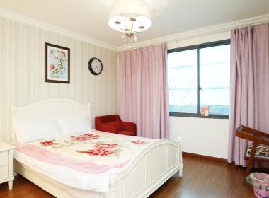 传奇暖暖公寓(中山北路店) 1室0厅1卫