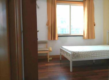 枫叶公寓 1室0厅1卫