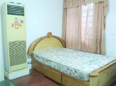 心族公寓 1室0厅0卫