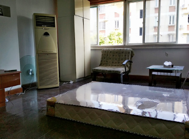 南龙潭苑 1室0厅0卫