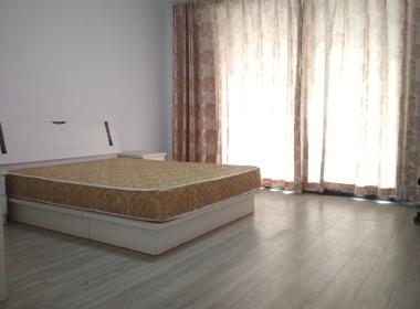 嘉城桃花岛香槟河畔 3室2厅1卫