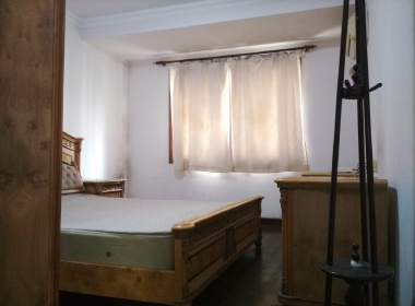 金鼎公寓(真南路) 1室0厅1卫