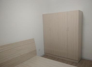 铂金华府 1室0厅0卫