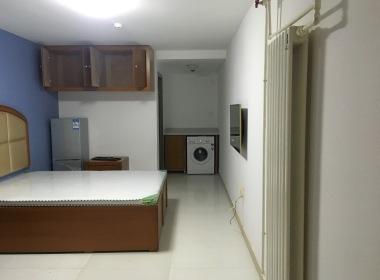 8号公寓 1室0厅1卫