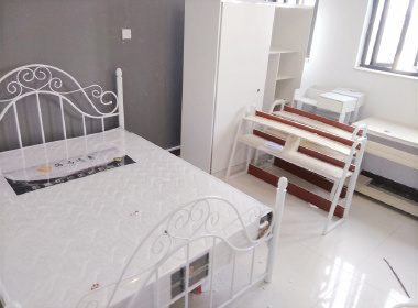 马赛国际公寓 1室0厅0卫