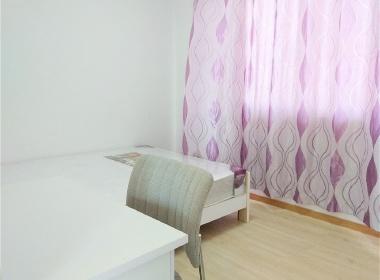 紫荆三村 1室0厅0卫