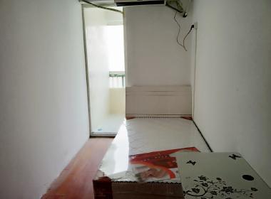 慧华东苑 1室0厅0卫