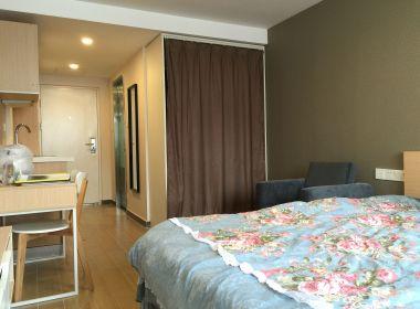 魔方公寓(宁国路店) 1室0厅1卫