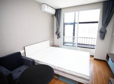 魔方公寓(虹中路店) 1室0厅1卫