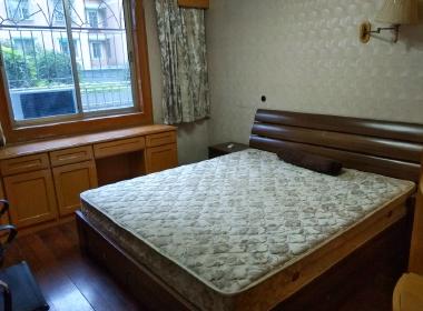 官河公寓 1室0厅1卫