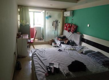 偶寓青年公寓(高行店) 1室0厅1卫