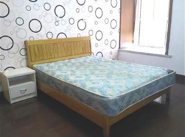 华利公寓 1室2厅1卫