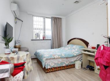 千代公寓 1室0厅1卫