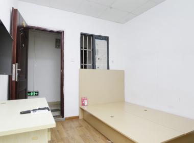 利久公寓 1室0厅1卫