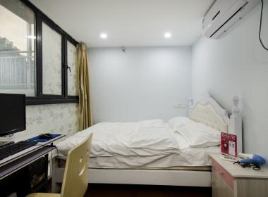 8090青年公寓 1室0厅1卫