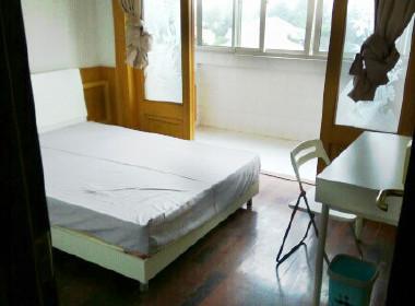江虹花园 1室0厅0卫