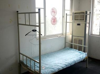 名都新城二期(南区)(宝城路155弄) 4室1厅2卫