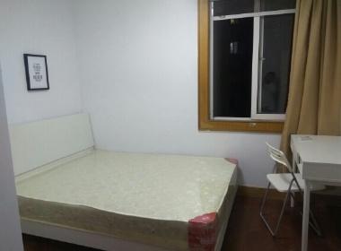 江中公寓 1室0厅0卫