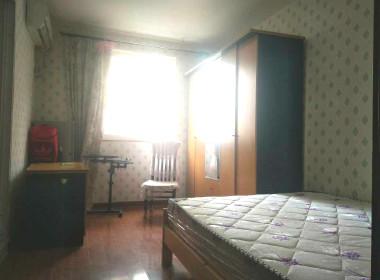 万泰公寓(七莘路3128弄25支弄) 1室0厅0卫
