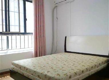 绿地布鲁斯小镇四期 1室1厅1卫