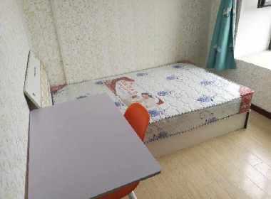 万业紫辰苑 1室0厅0卫