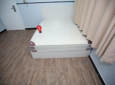 天鸿青年公寓(龙华店) 1室0厅1卫
